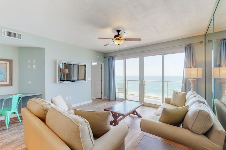 Seventh floor beachfront condo w/Gulf views & shared heated pool and hot tub!