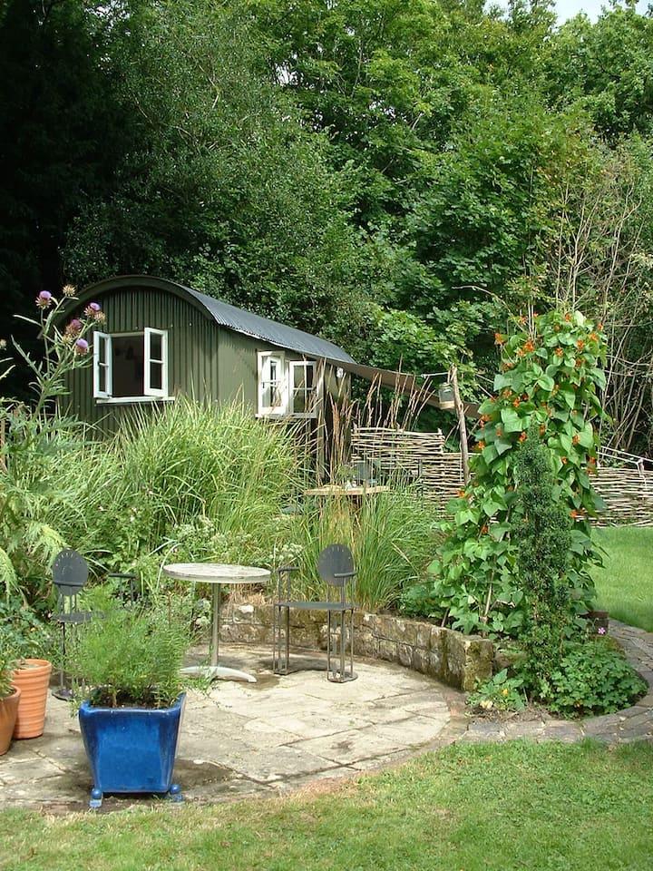 Ardingly new shepherd hut in beautiful countryside