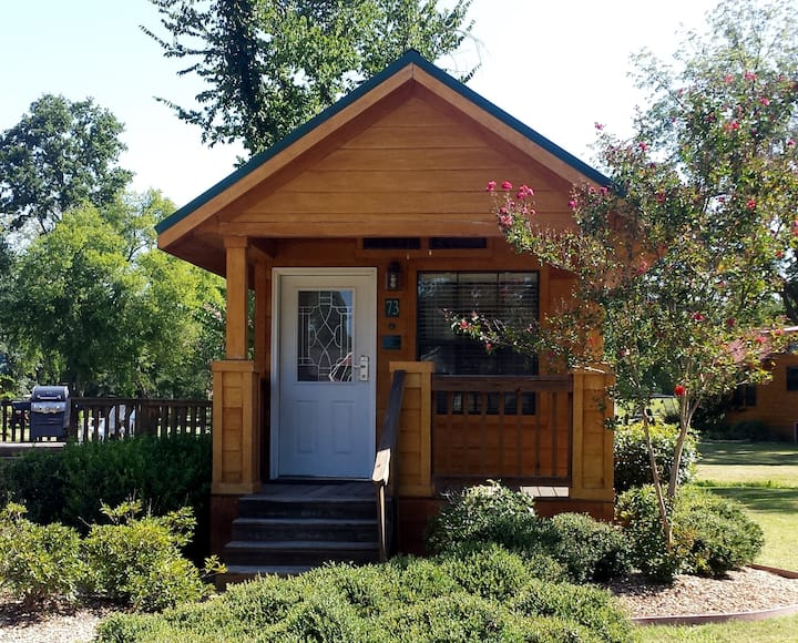 Cozy Wooden Cottage at Mill Creek Ranch Resort