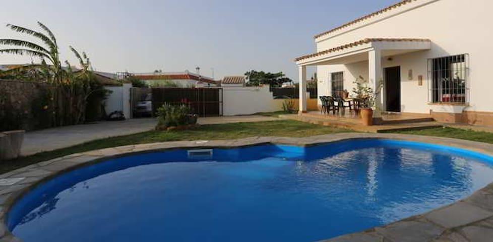 Chalet con piscina - Conil de la Frontera - Bungalo