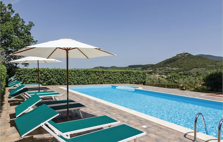 Holiday cottage with 5 bedrooms on 400m² in Guardea TR