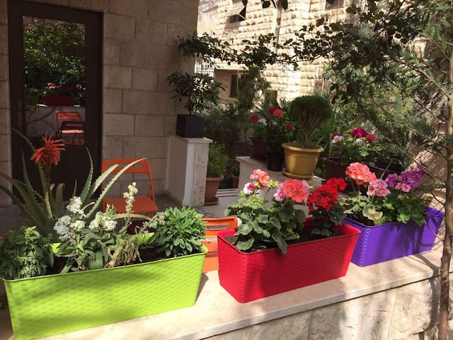 Cosy &spacious One &1/2 bedroom Apt - Amman  - Apartemen