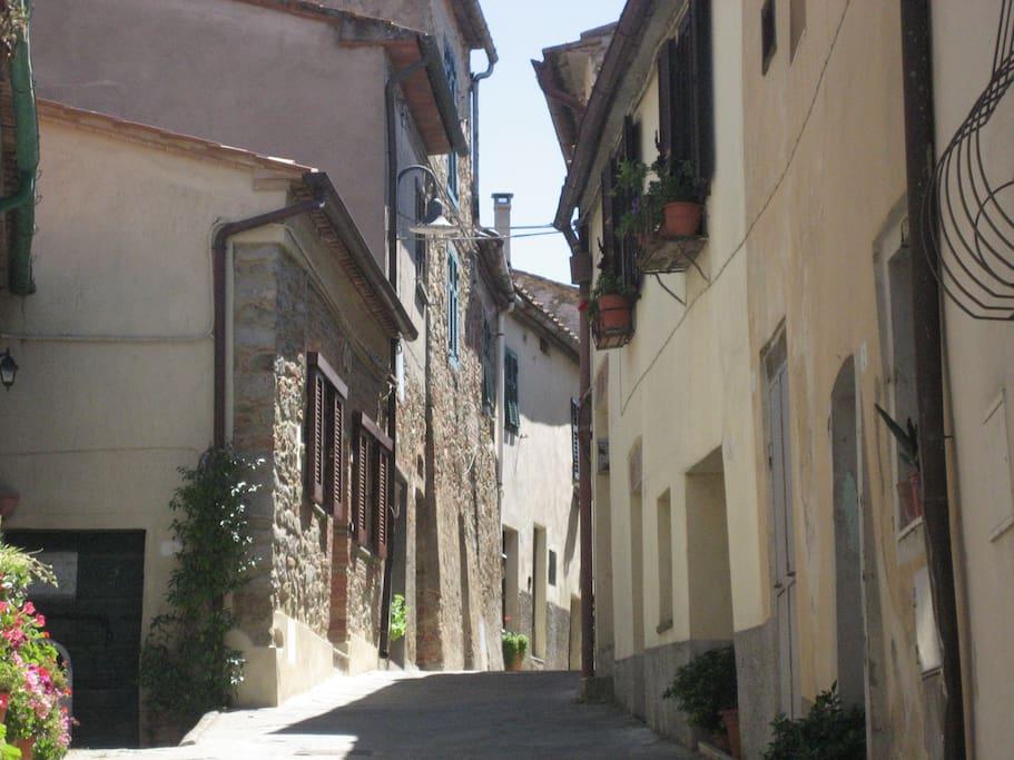 Cobbled streets in Pereta