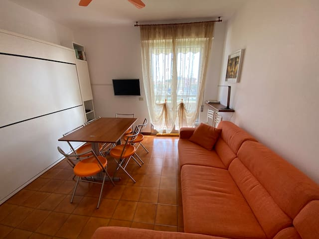 Cozy apartment in Albenga quiet and close to sea