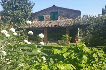 Casa vacanze Le Romitine - Firenze - House