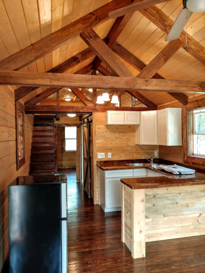 Beautiful Log Cabin #19 at Table Rock Lake