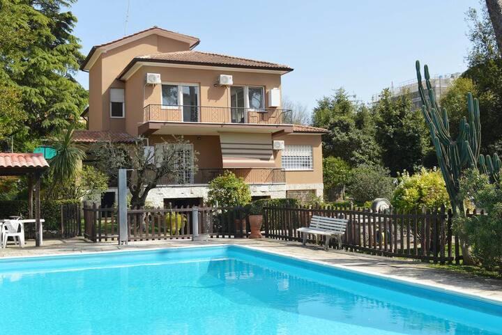 Casaletto210 Apt B3 in a wonderful Villa with pool