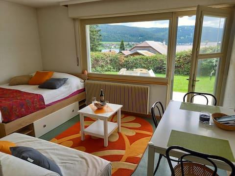 Chambre avec salle de bain et terrasse privées