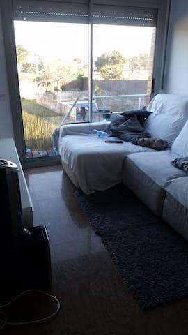 Habitación individual en Baix Llobregat - piscina - El Prat de Llobregat - Wikt i opierunek