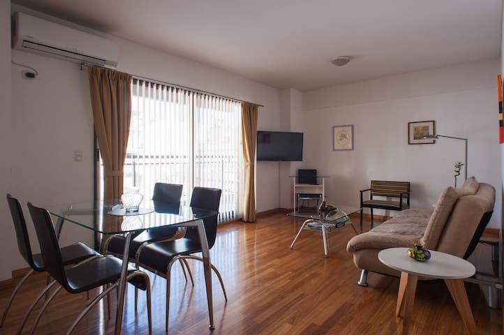Deluxe new apartment, sleeps 2-4
