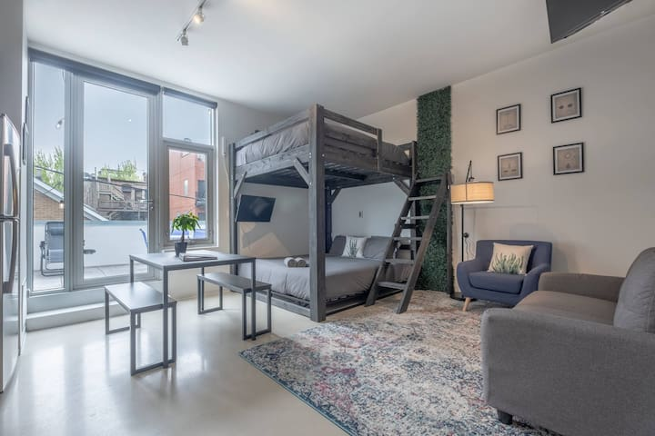 Luxury Studio Loft with Enormous Personal Patio