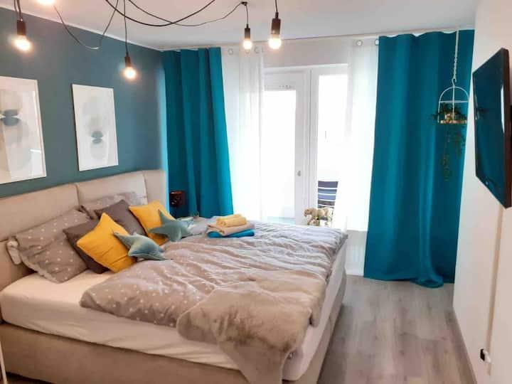 Modernes Zimmer mit Balkon, super - Zentral!
