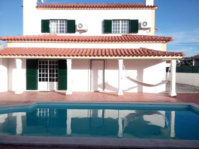LaNara - River Beach Villa at Castelo de Bode