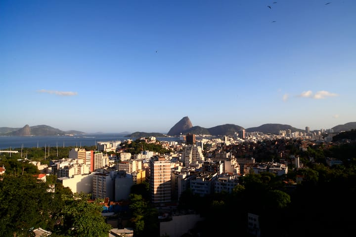 2- FLAT WITH SUGAR LOAF VIEW MOUNTAIN 204 / 304