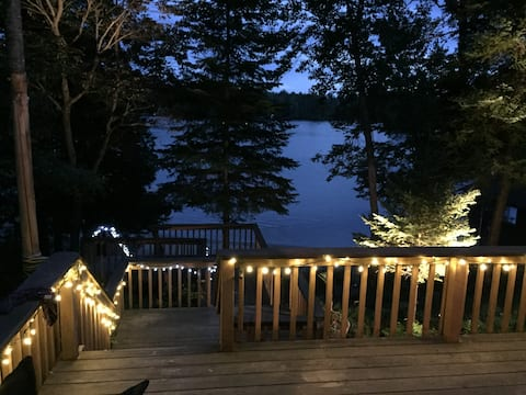 Stunning 4-Season Cottage w/beach & south exposure