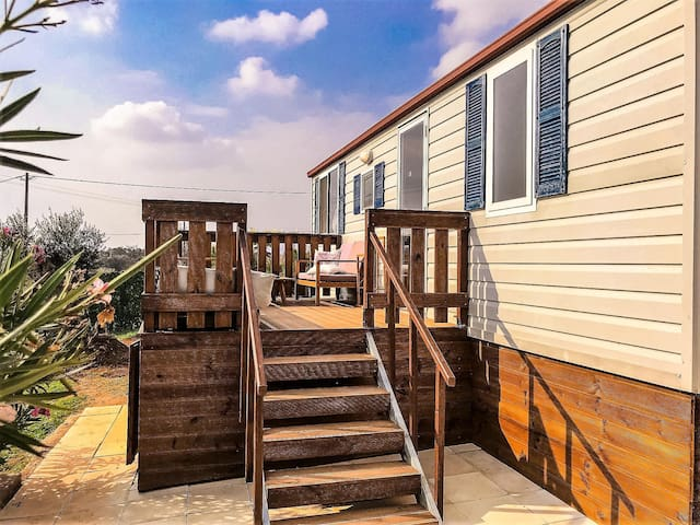 *NO GUEST SERVICE FEE* Lovely Camper In Private Residence