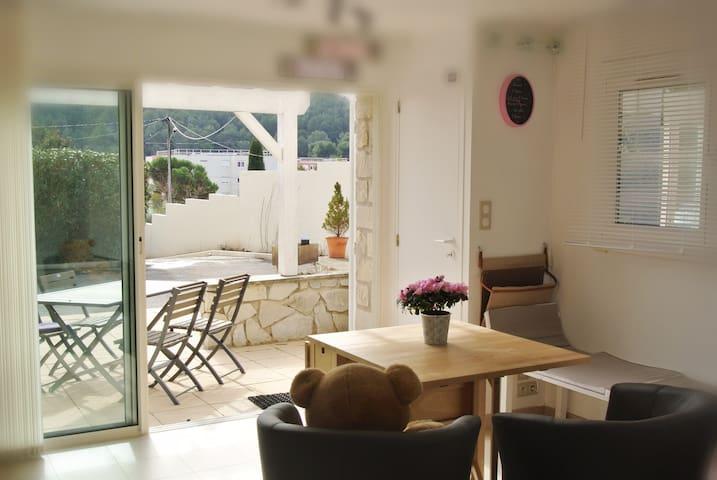 Appartement sympa pour 2 pas loin de Cassis - Carnoux-en-Provence - Byt