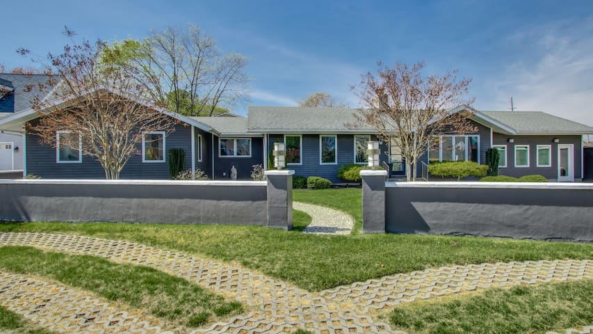 Luxury House by the Sea, Pet Friendly! - Rehoboth Beach - House