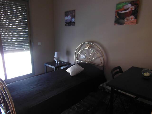 Acogedora habitación en el centro de Torrent - Torrent - Dormitório