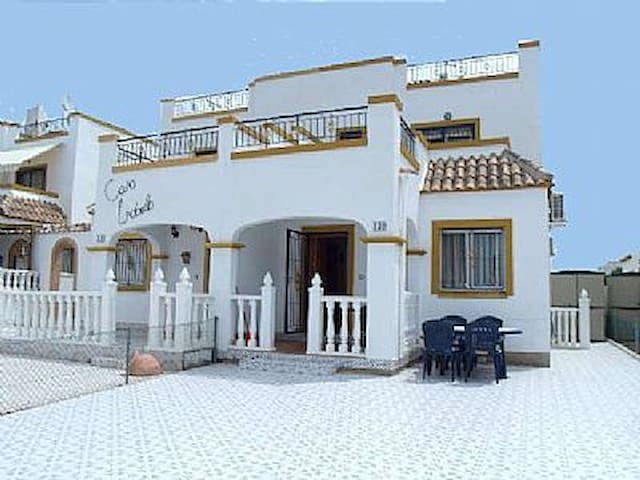 Family size house with 3 bedrooms - Torrevieja - Huis