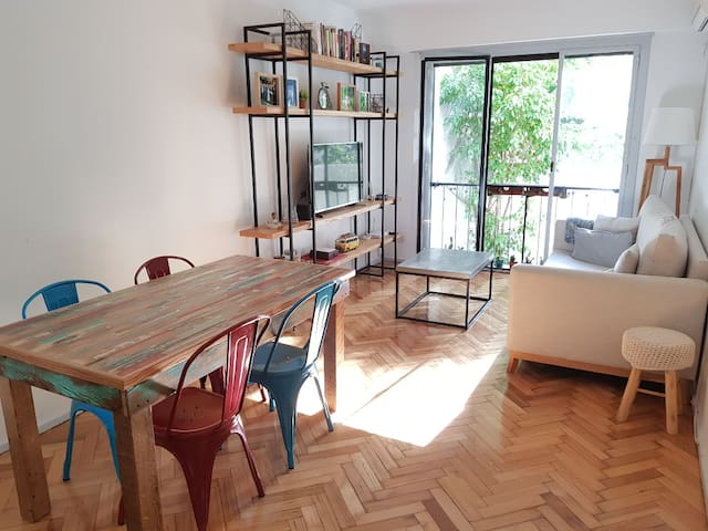 Lovely and spacious apartment at Recoleta