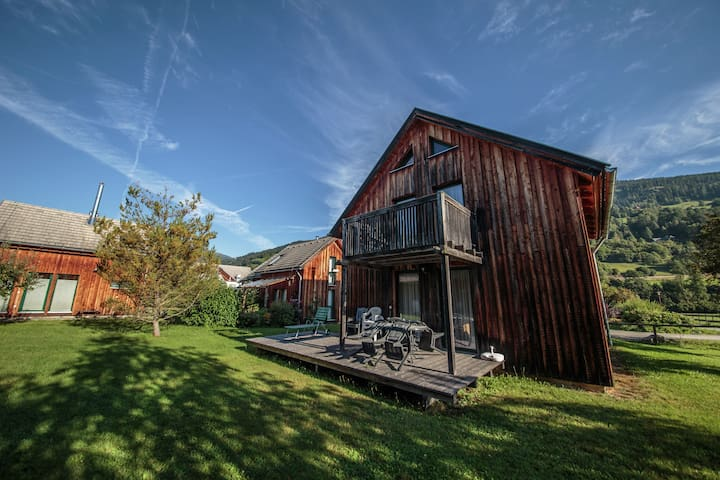 Modern Holiday Home in Sankt Georgen with Swimming Pool