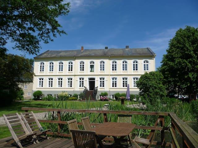 Gut Oestergaard - Herrenhaus 1
