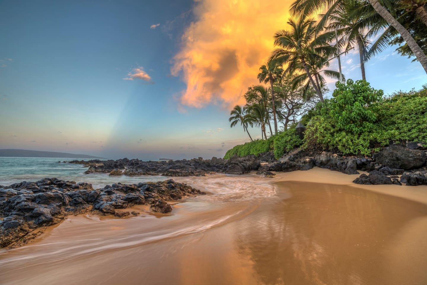 Soft, golden sandy beach in Wailea offering picture perfect views