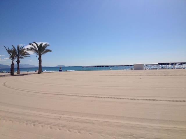 Alicante strandlägenhet