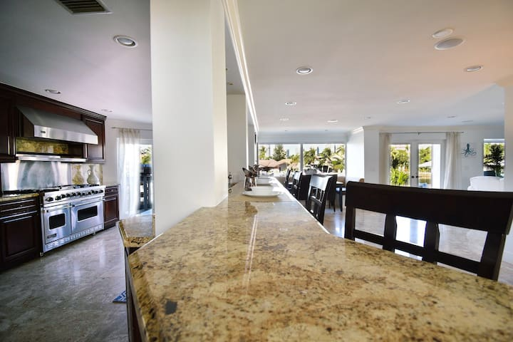 WATERFRONT ESTATE WITH HEATED POOL- 5B/R