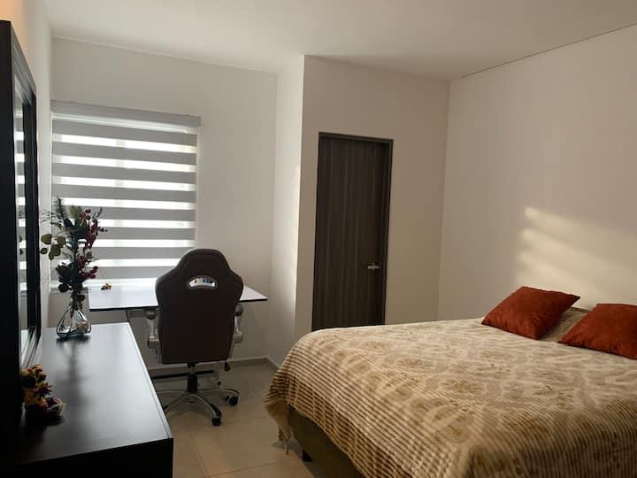 Habitación cálida y cómoda en Casa Residencial