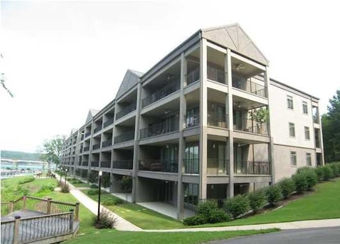 Smith Lake - Waterford Condo 3BR/2BA -Amazing View