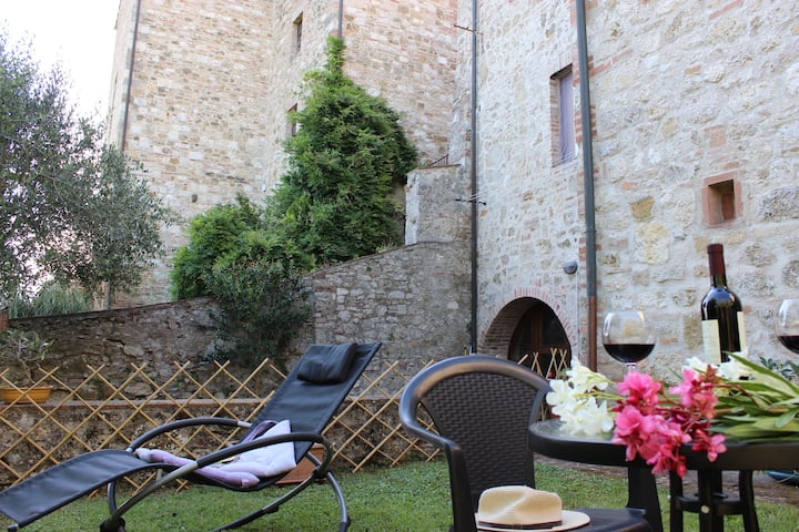 """Apartment """"Relax"""" in medieval village"""