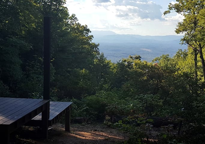 The High Land: Remote mtn camping platform w/ view - Morganton - Andere