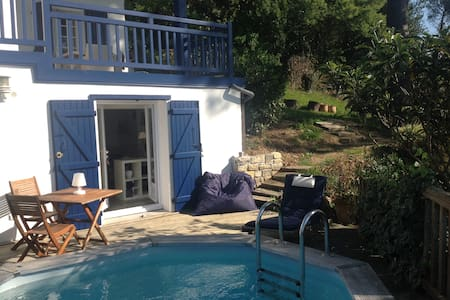 Studio Cosy, bord piscine belle vue - Bidart