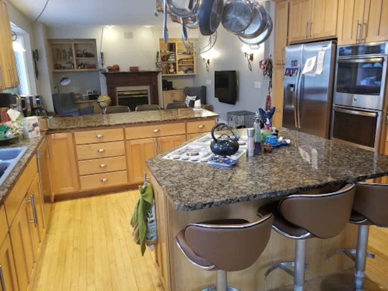 Kitchen with bar stool seating for 7