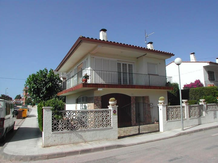 Corner house with 3 bedrooms in L´Estartit