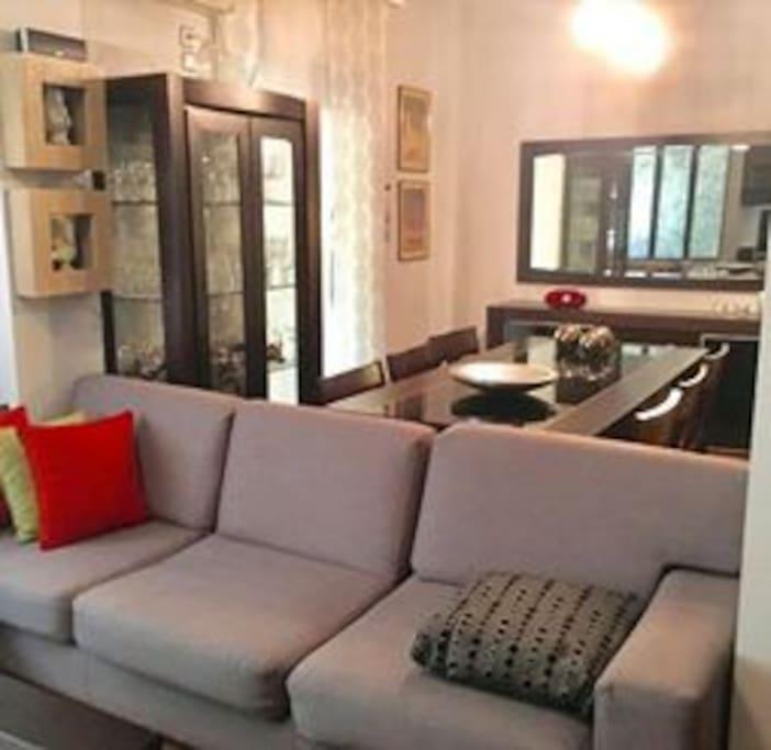 Modern design furniture. 6 seat spacious dining area