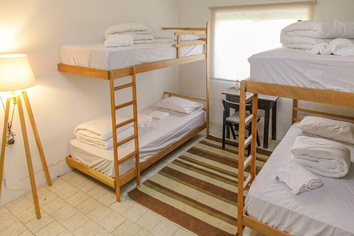 Quarto compartilhado - Mangarito Hostel