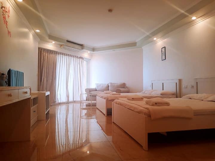 Markland Condo #2022 马克兰公寓是位于芭堤雅的最佳位置