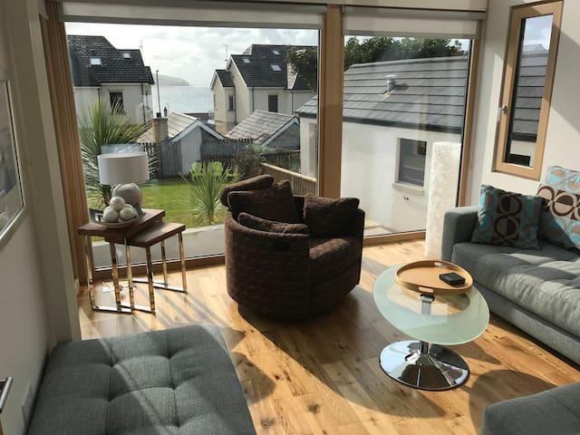 Spectacular Modern Villa near the beach