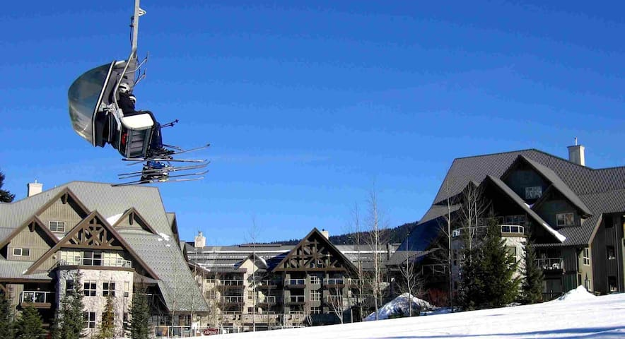 UBER SKI IN/OUT Blackcomb-Wake up on Wizard Chair - Whistler - Apto. en complejo residencial