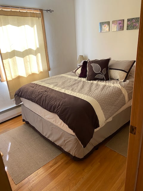 Guest Bedroom within walking distance to NDSU