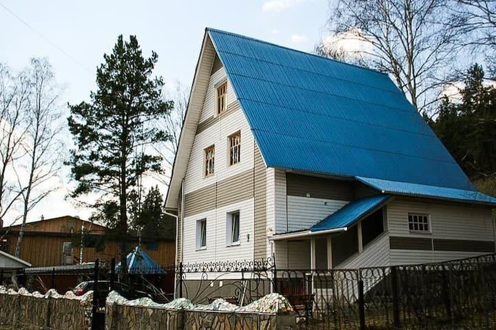 Дом в центре Абзаково