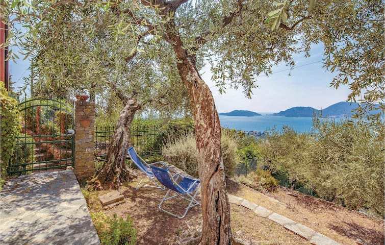Holiday apartment with 2 bedrooms on 55m² in Lerici SP
