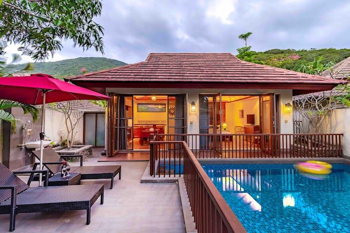 亚龙湾芭蕉雨林泳池别墅