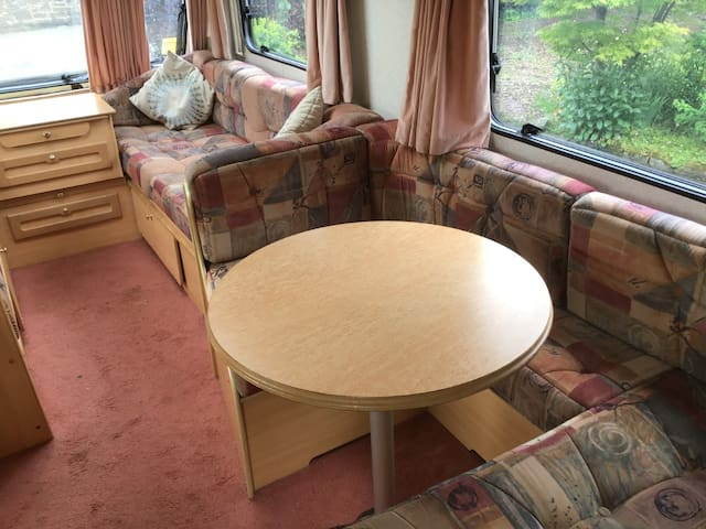 Beautiful Bassettwood Caravan, Tissington