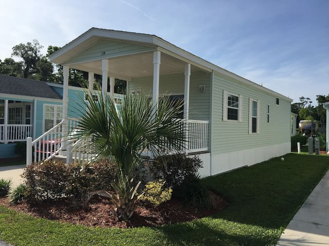One Bedroom Orlando cottage - Close to everything! - Kissimmee - Cabaña