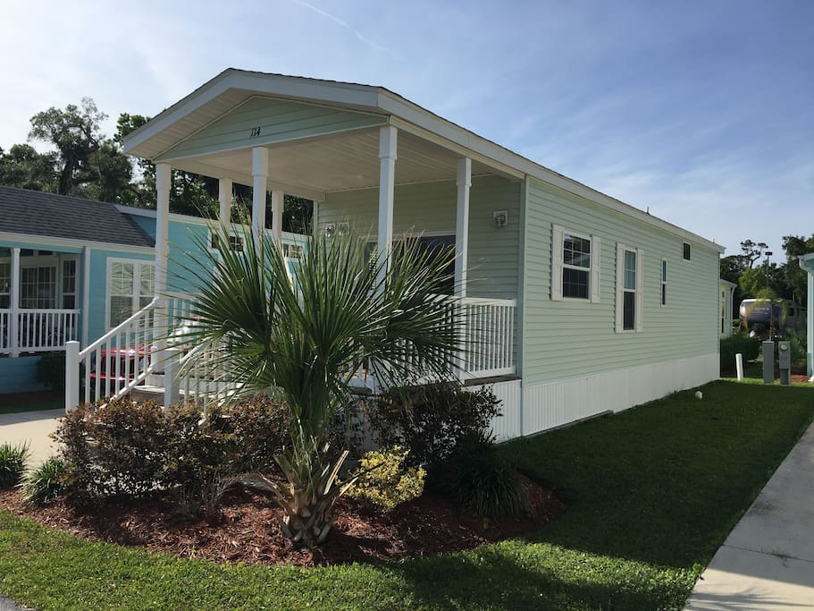 One Bedroom Orlando Cottage Close To Everything Cabins For Rent In Kissimmee Florida