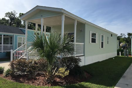 One Bedroom Orlando cottage - Close to everything! - Kissimmee - Cabin